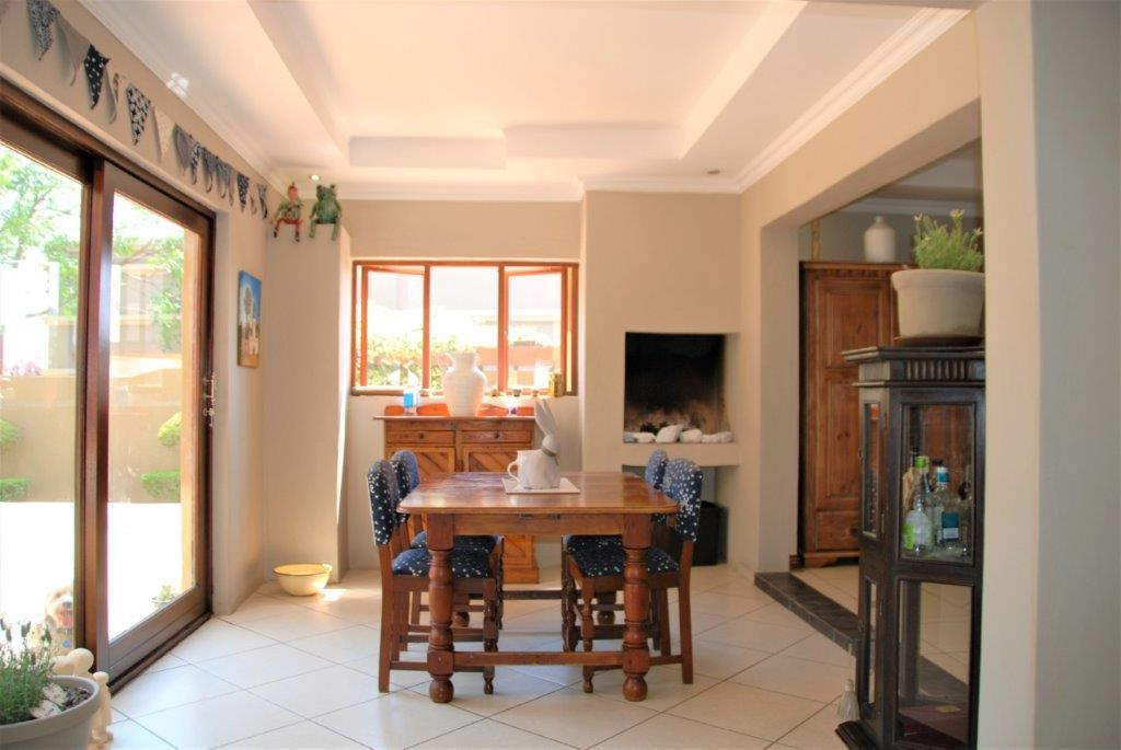 3 Bedroom House For Sale in Pinehaven