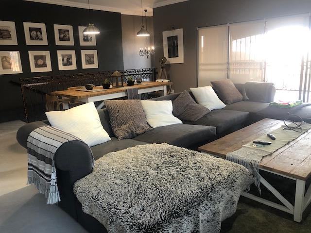 3 Bedroom House For Sale in Noordheuwel