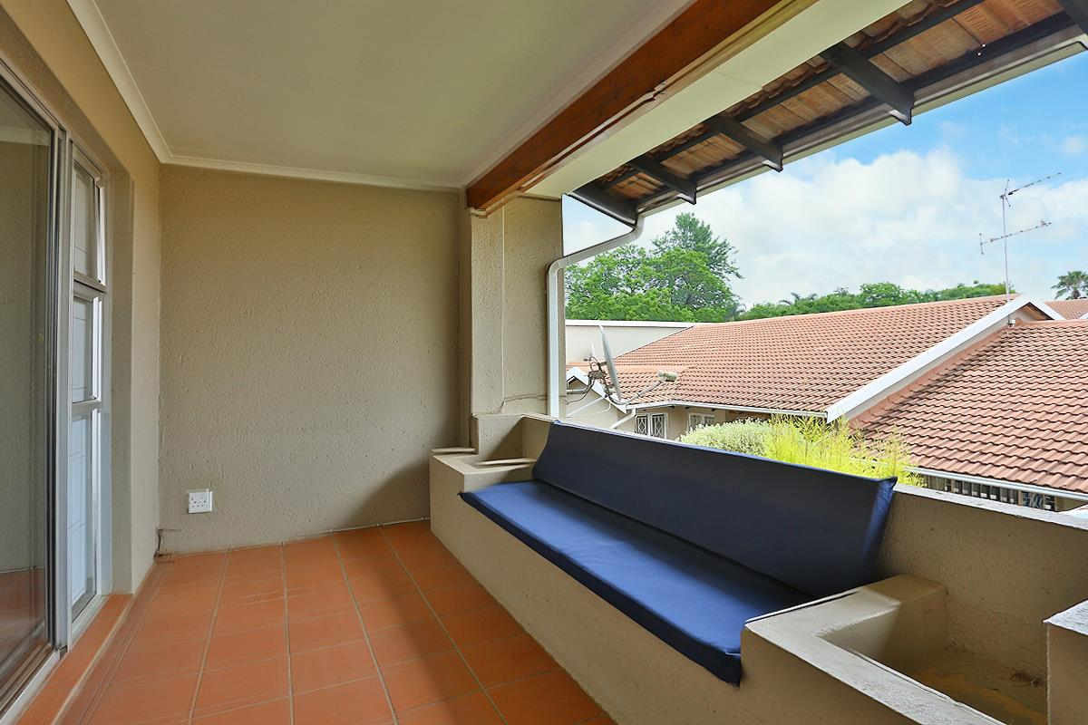 3 Bedroom Townhouse For Sale in Fairland | RE/MAX™ of ...