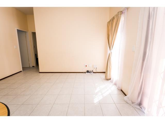 2 Bedroom Apartment / Flat To Rent in Wilgeheuwel