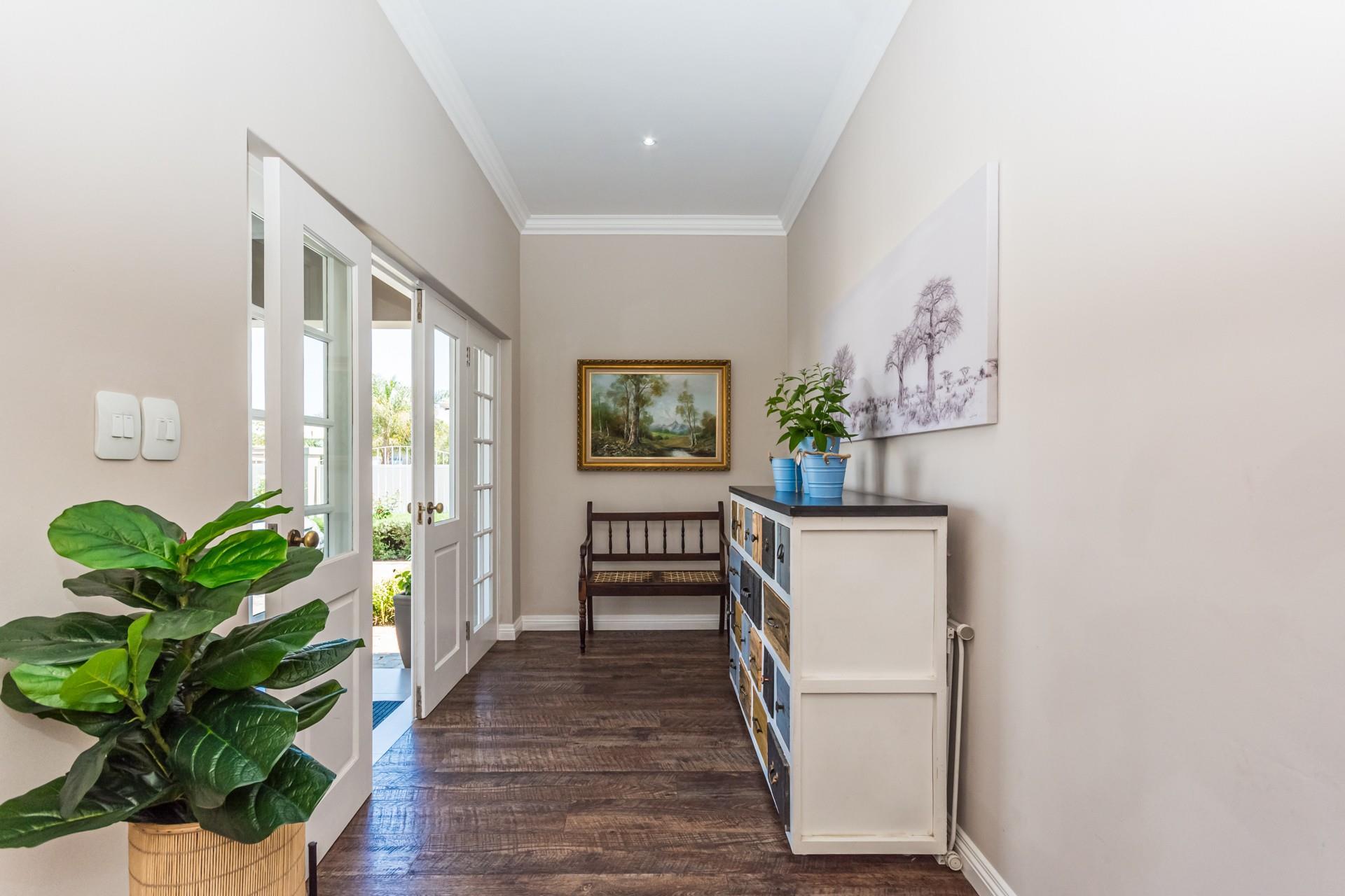 3 Bedroom House For Sale in Honeydew Manor