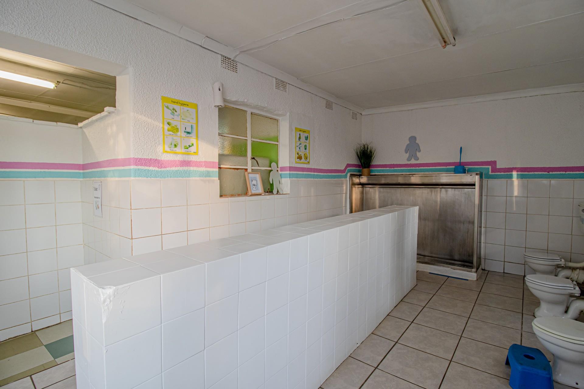 4 Bedroom House For Sale in Linden