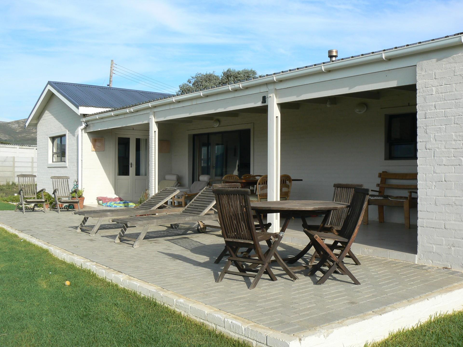 3 Bedroom House For Sale in Fisherhaven