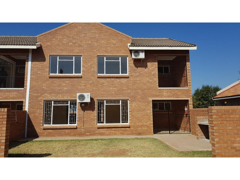 Townhouse To Let