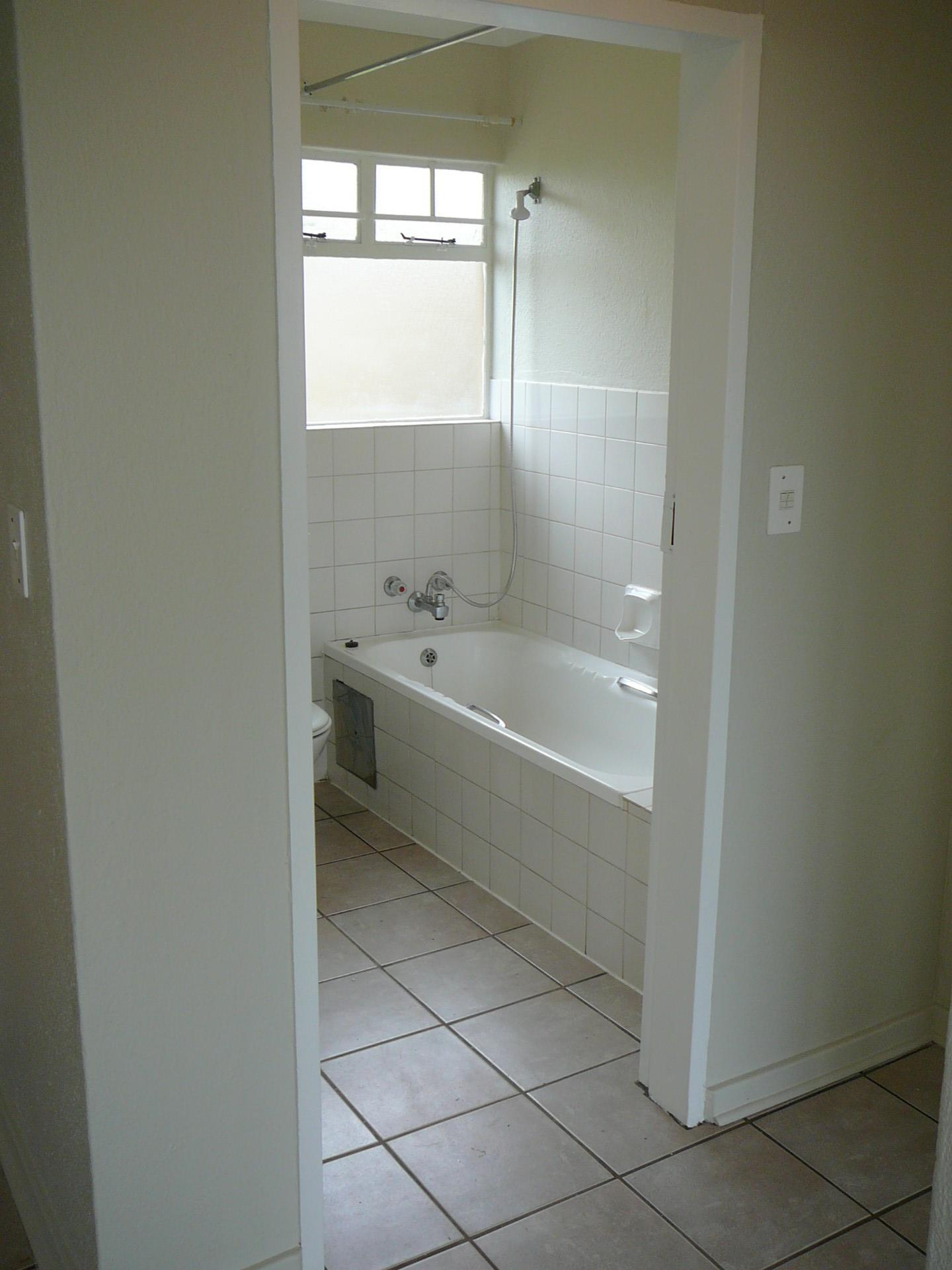 2 Bedroom Townhouse For Sale in Edenvale Central