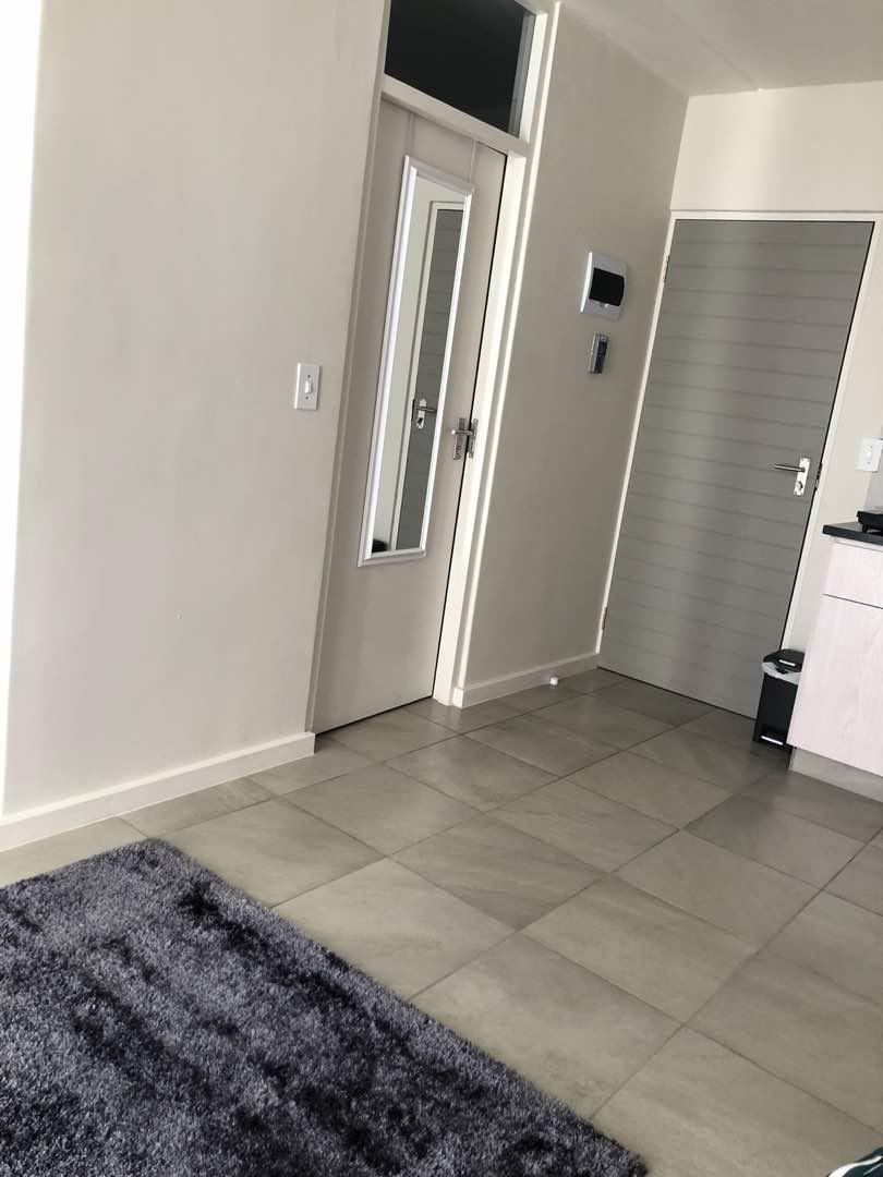 1 Bedroom Apartment For Sale in Stellenbosch Central
