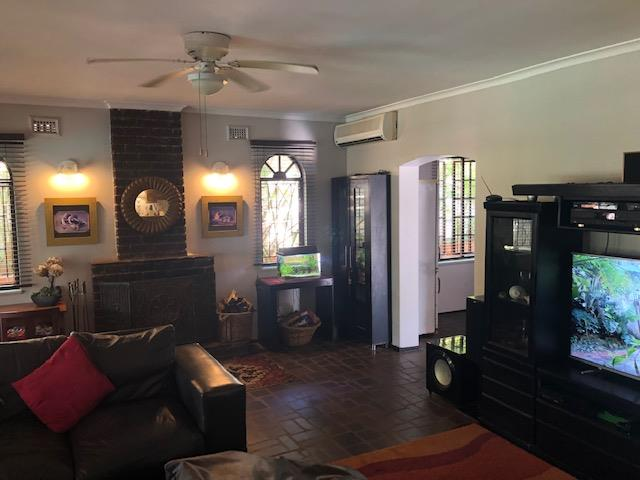 3 Bedroom House For Sale in La Lucia
