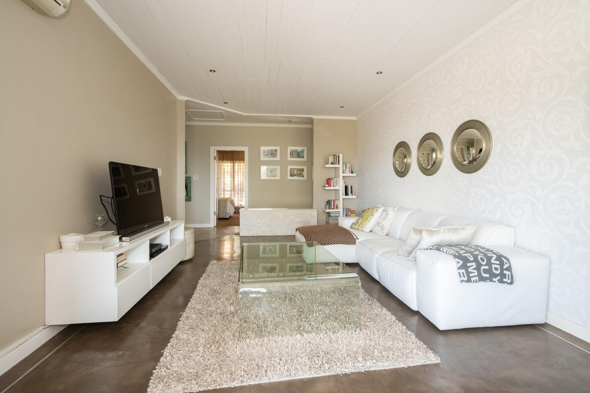 Brilliant 4 Bedroom House In Durban North Re Max Interior Design Ideas Gentotryabchikinfo