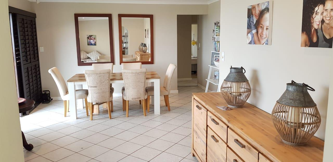 3 Bedroom Townhouse To Rent in Umhlanga Rocks