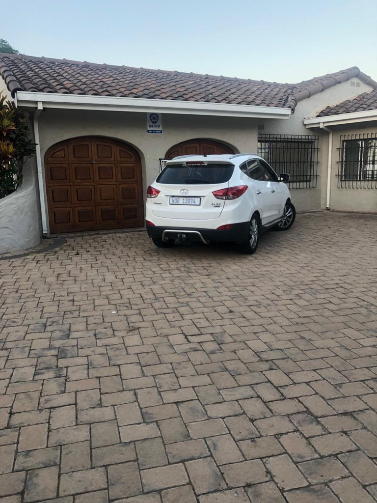 3 Bedroom House To Rent in Umhlanga Rocks