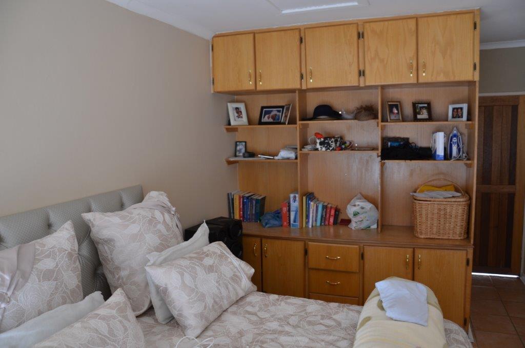 3 Bedroom Townhouse For Sale in Langenhovenpark