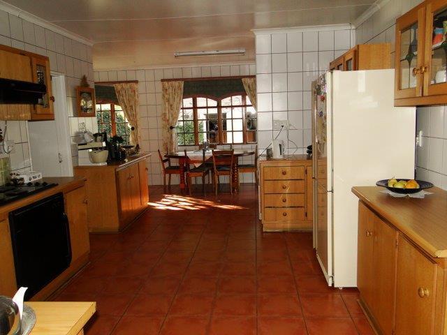 4 Bedroom House For Sale in Generaal De Wet