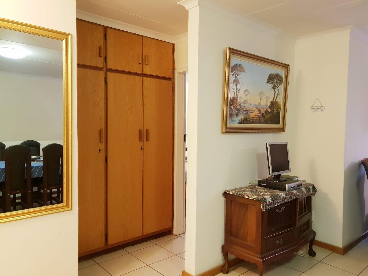2 Bedroom Townhouse For Sale in Heuwelsig