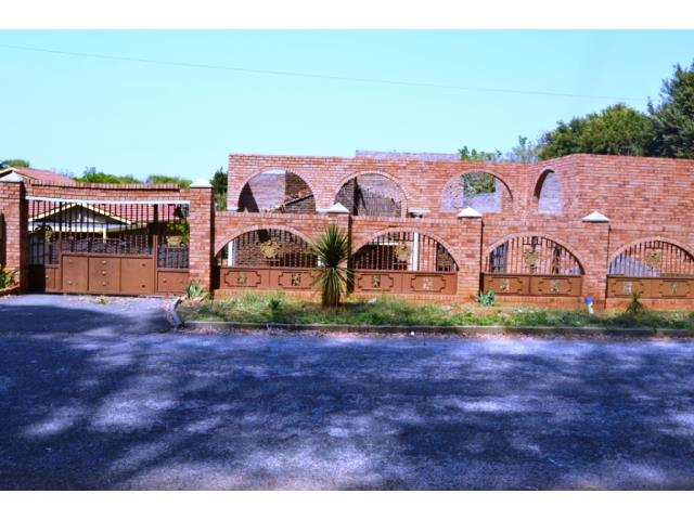 3 bedroom house for sale in florida lake roodepoort re max