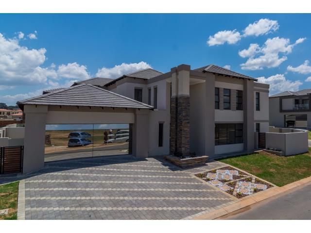 Property and houses for sale in blue valley golf estate for Centurion homes