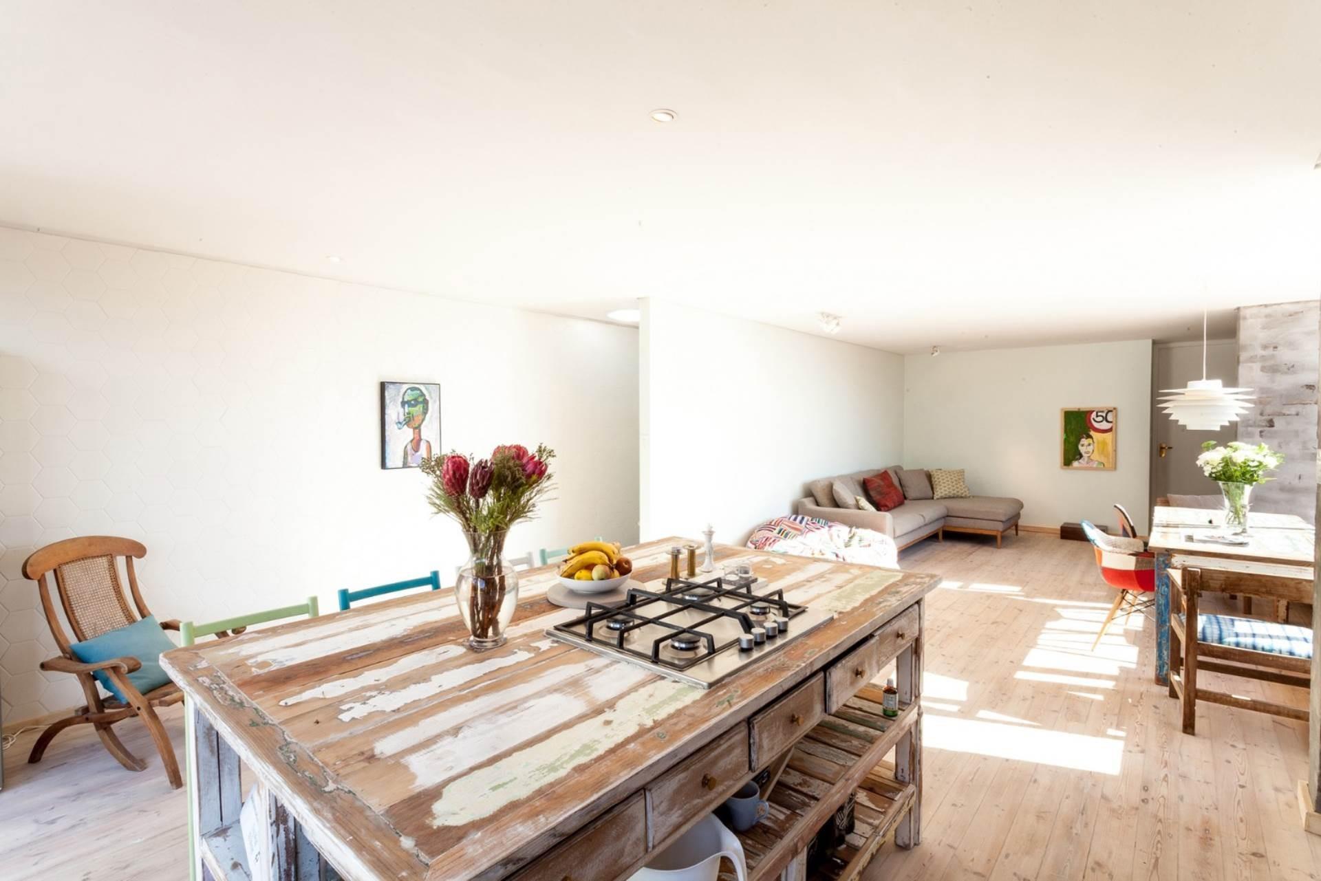 4 Bedroom House For Sale in Higgovale