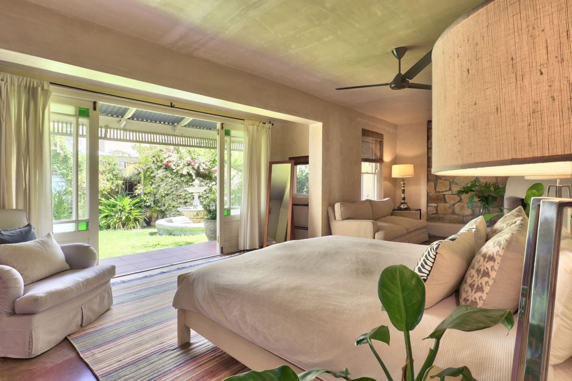 5 Bedroom House For Sale in Tierboskloof