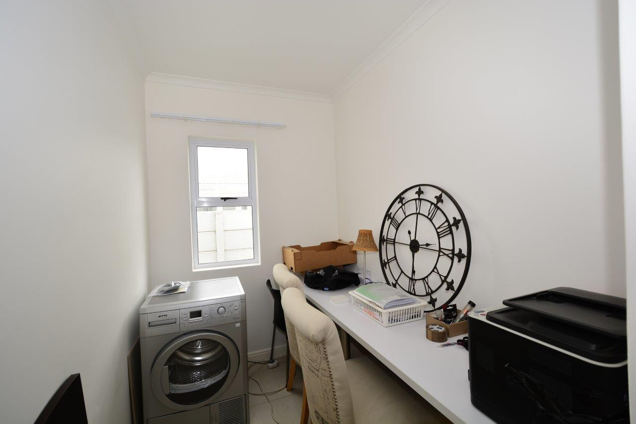 3 Bedroom House To Rent in Sunningdale