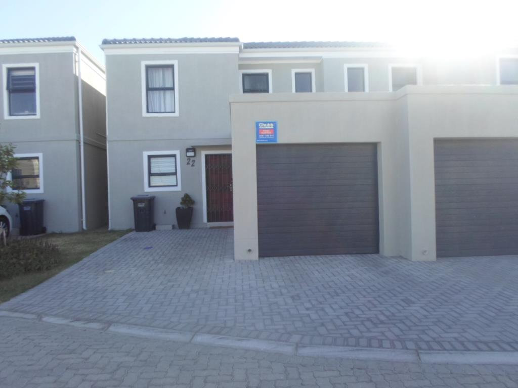 3 Bedroom Duplex To Rent in Parklands North