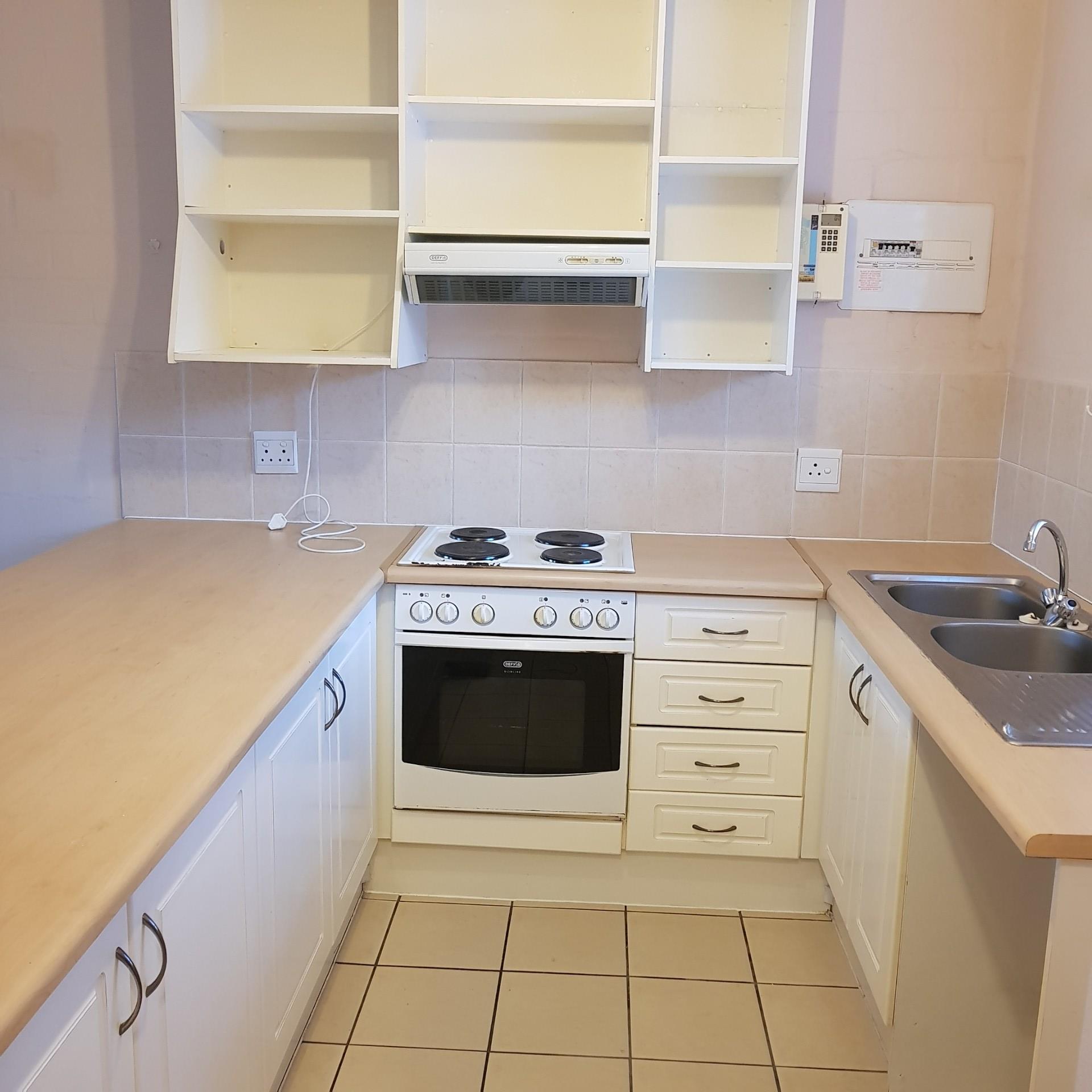 2 Bedroom Town house To Rent in Parklands
