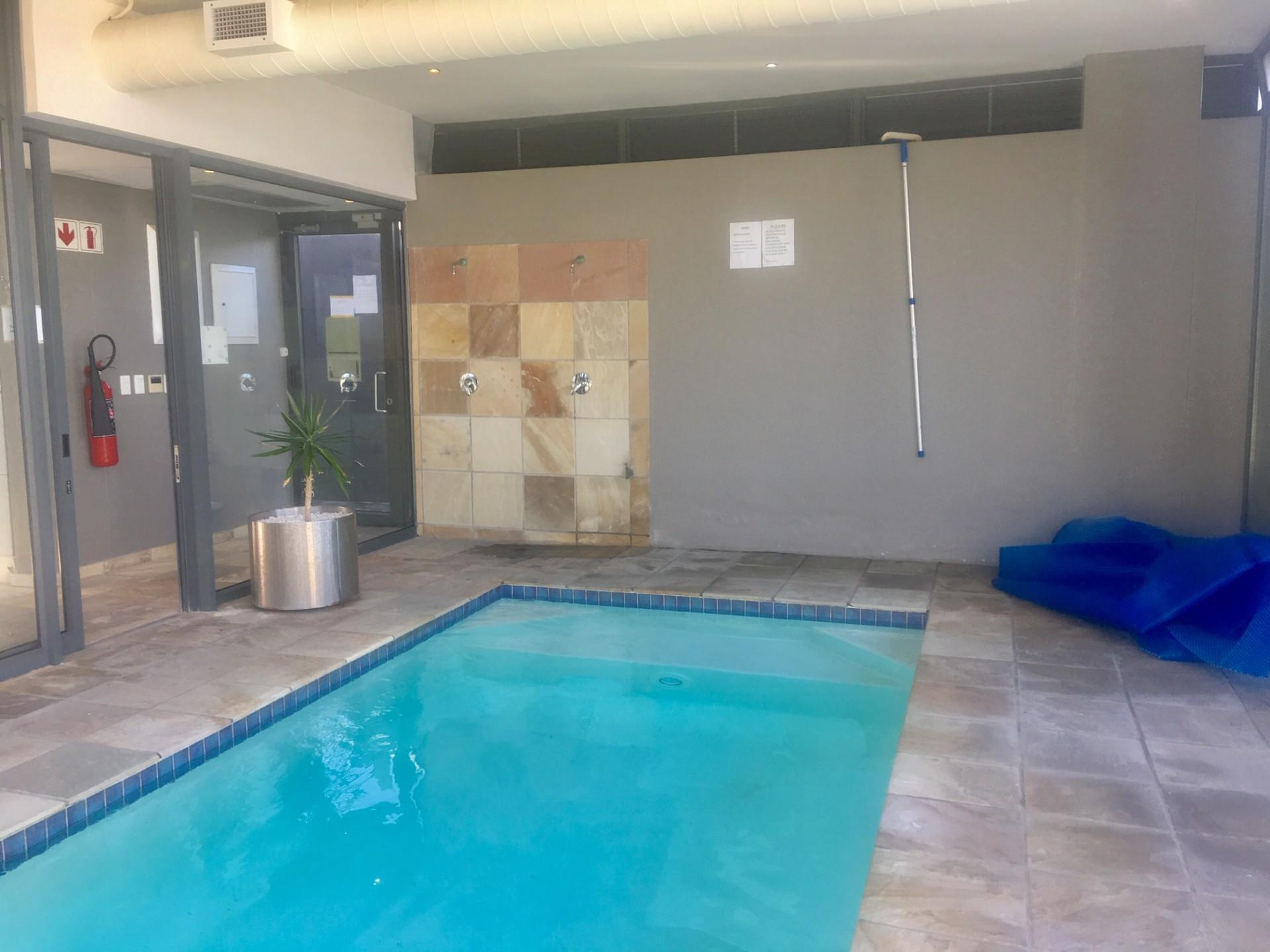 2 Bedroom House For Sale in Beachfront