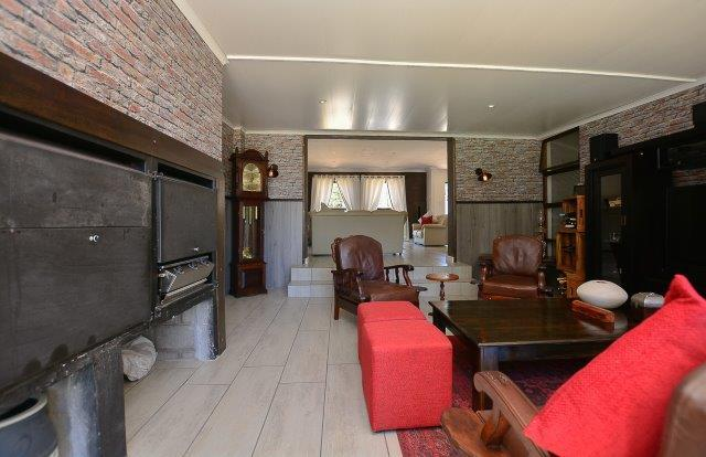 3 Bedroom House For Sale in Table View