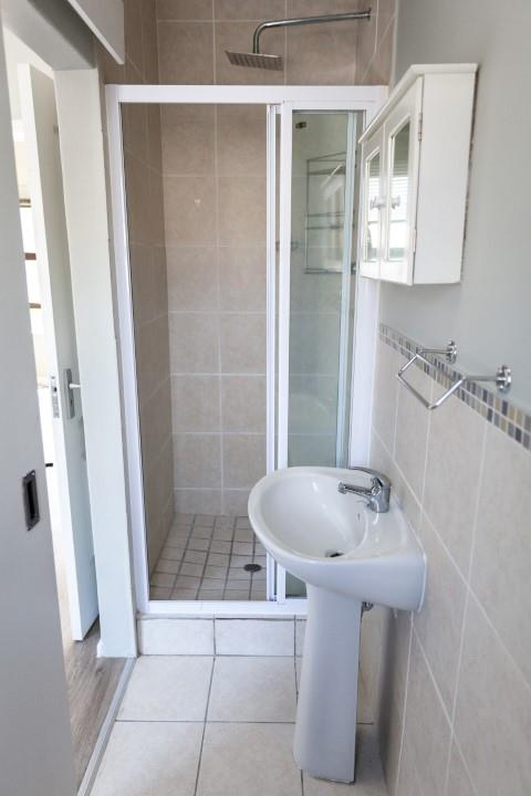 1 Bedroom Apartment / Flat To Rent in Bloubergrant