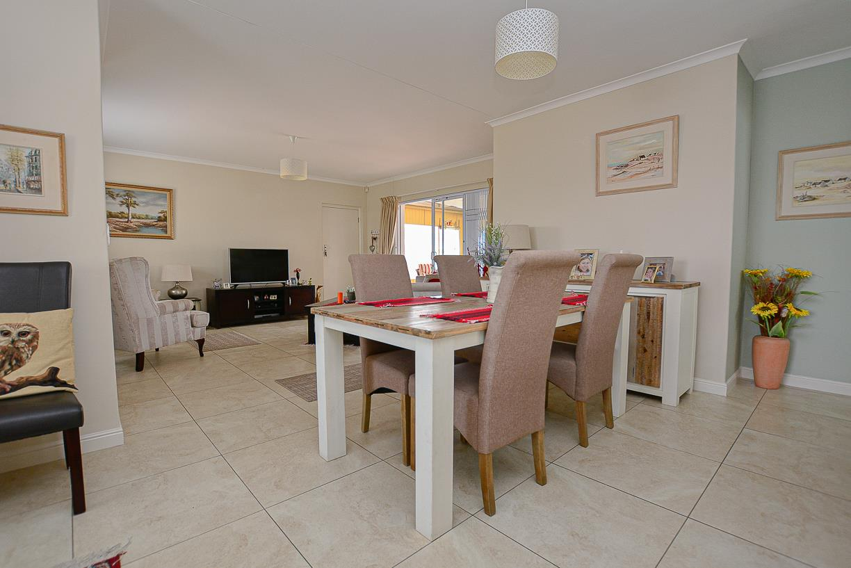3 Bedroom House For Sale in Sunningdale
