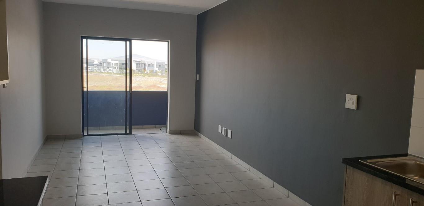 2 Bedroom Apartment / Flat To Rent in Parklands North