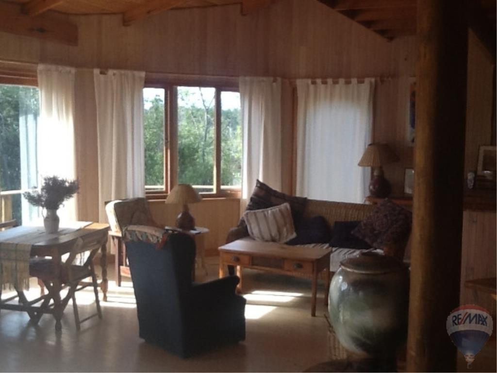 2 Bedroom House For Sale in The Crags