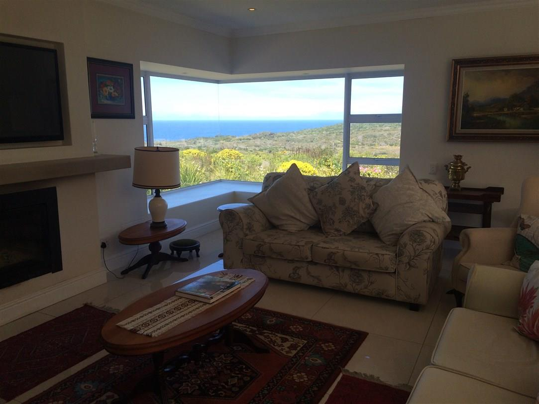 3 Bedroom House To Rent in Whale Rock