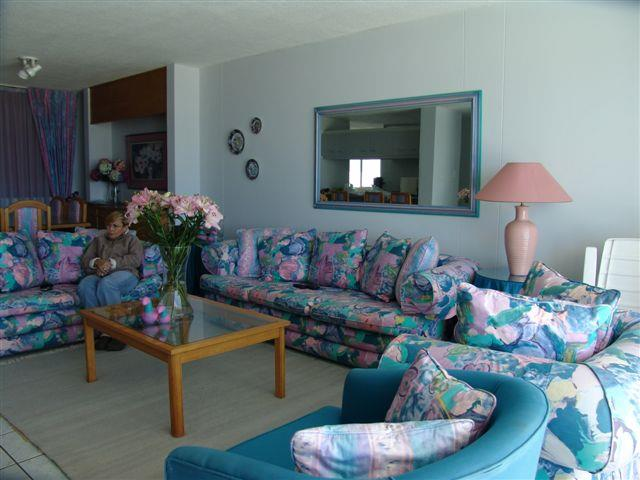 4 Bedroom Apartment For Sale in Plettenberg Bay Central