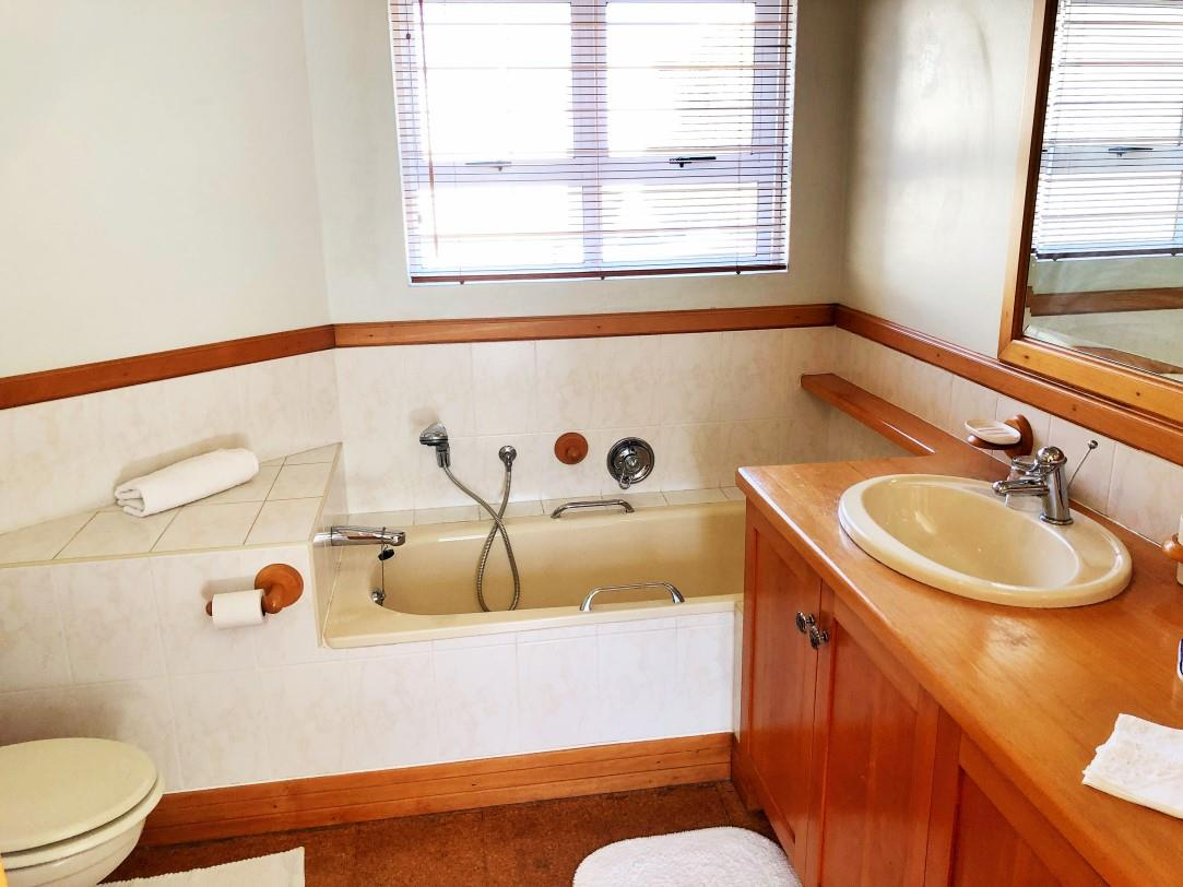 3 Bedroom House For Sale in Bowtie