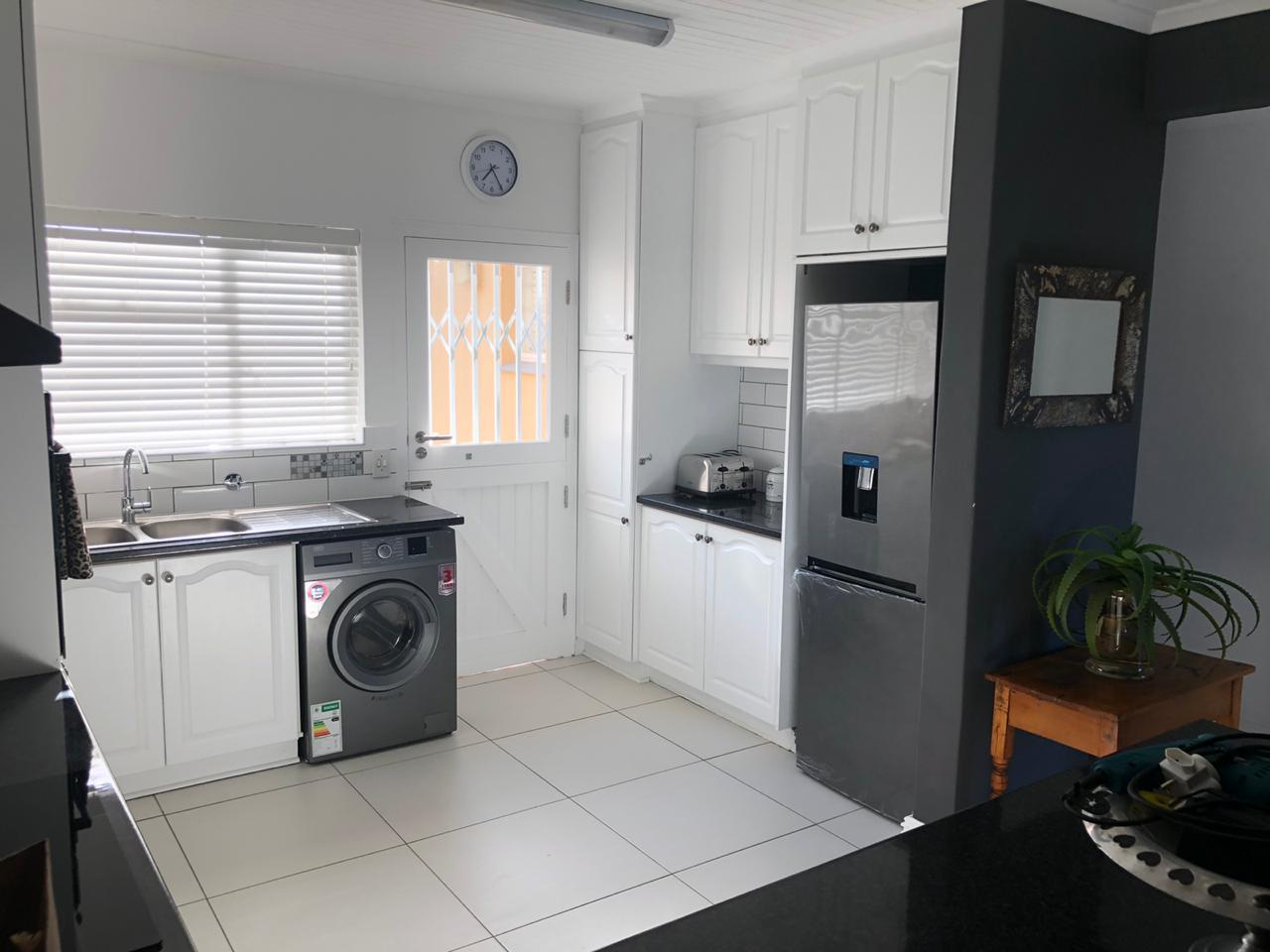 2 Bedroom Apartment / Flat To Rent in Seaside Longships
