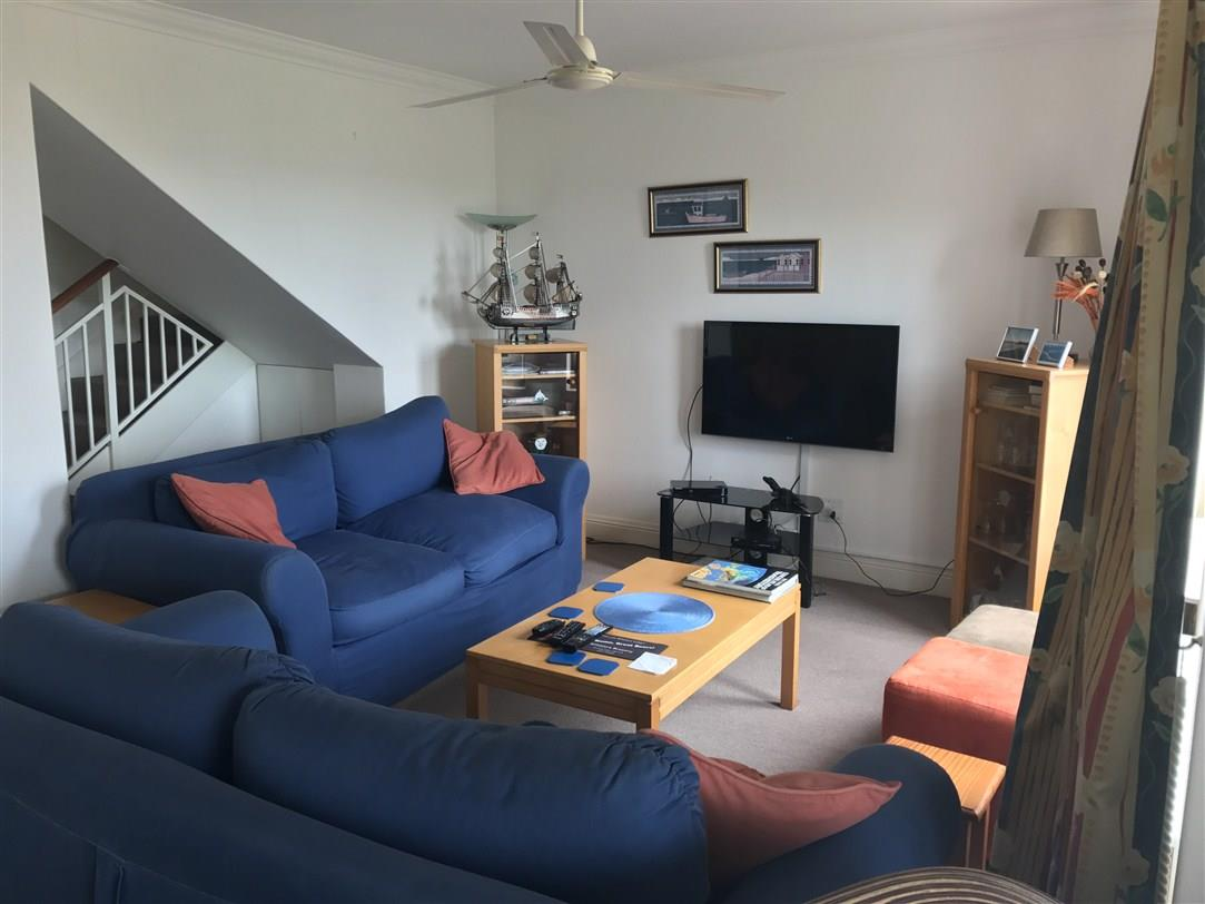 3 Bedroom Apartment / Flat To Rent in Piesang Valley
