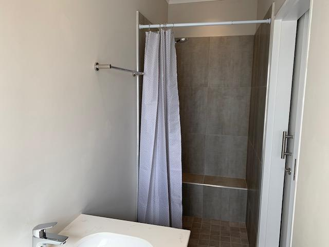 2 Bedroom Apartment / Flat To Rent in Schoongezicht Estate