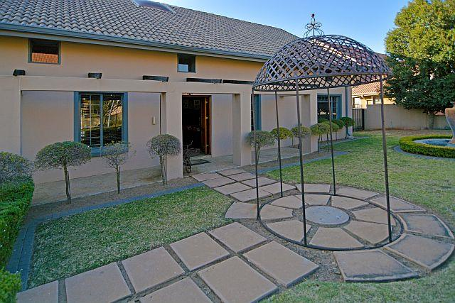 4 Bedroom House For Sale in Brooklands Lifestyle Estate