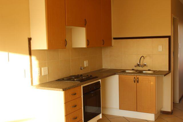 Bachelor Flat in Noordwyk For Sale