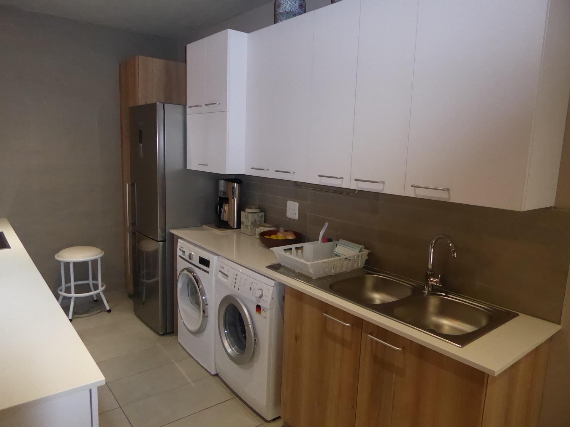 2 Bedroom Apartment For Sale in Lynnwood