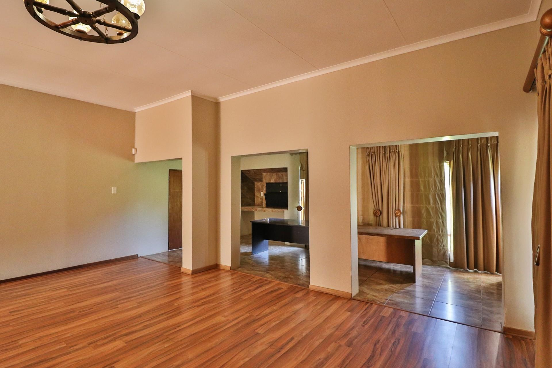 5 Bedroom House To Rent in Rietfontein A H
