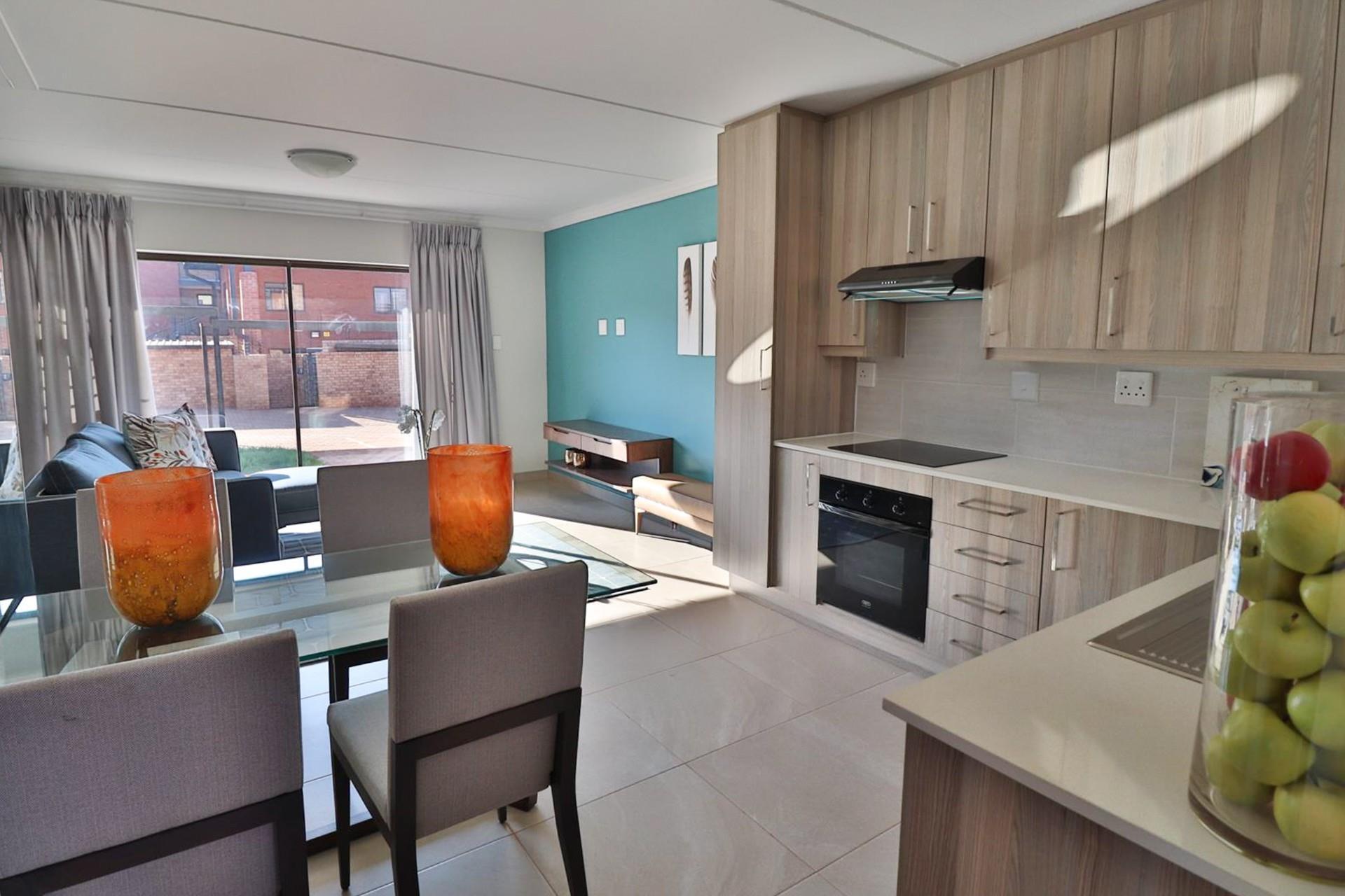 2 Bedroom Apartment / Flat To Rent in Zwavelpoort A H