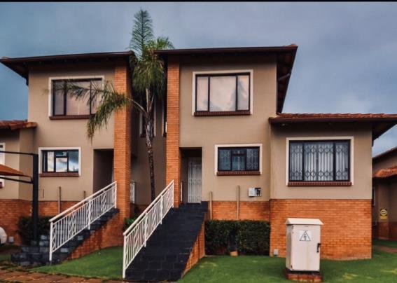 3 Bedroom Duplex For Sale in Glenvista