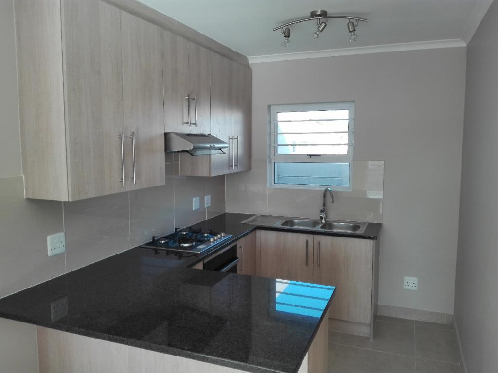3 Bedroom Town House For Sale In Brentwood Park For Zar 810 000 Re Max