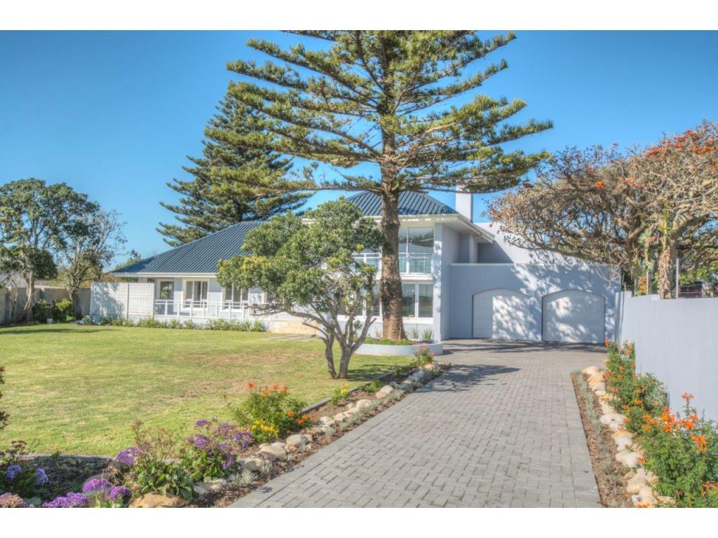 4 Bedroom House Rent 8 Bournemouth Street Summerstrand Port Elizabeth