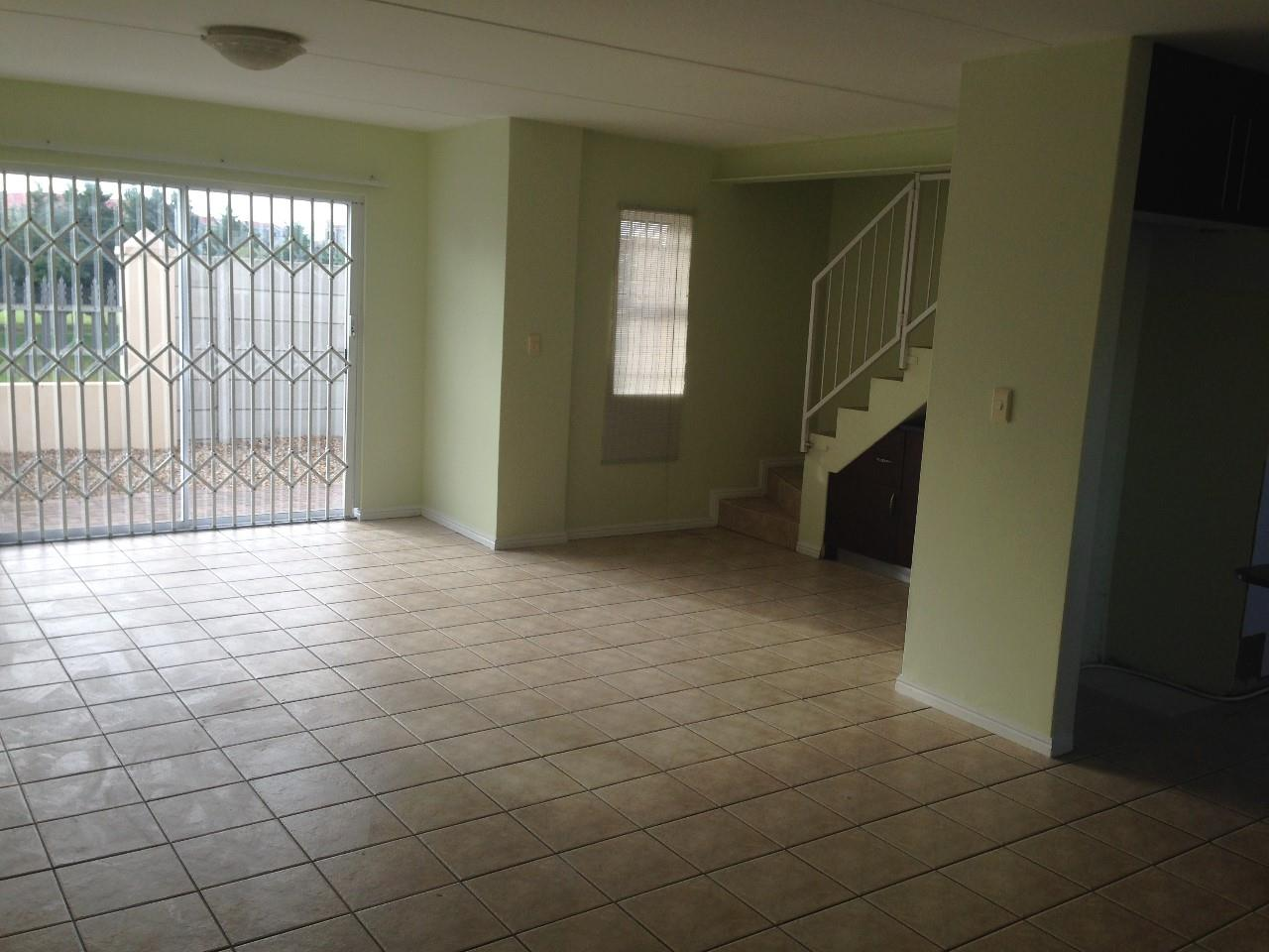 3 Bedroom Town house To Rent in Parklands