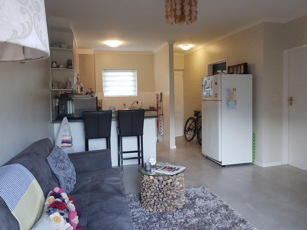 2 Bedroom Apartment To Rent in Blouberg Sands