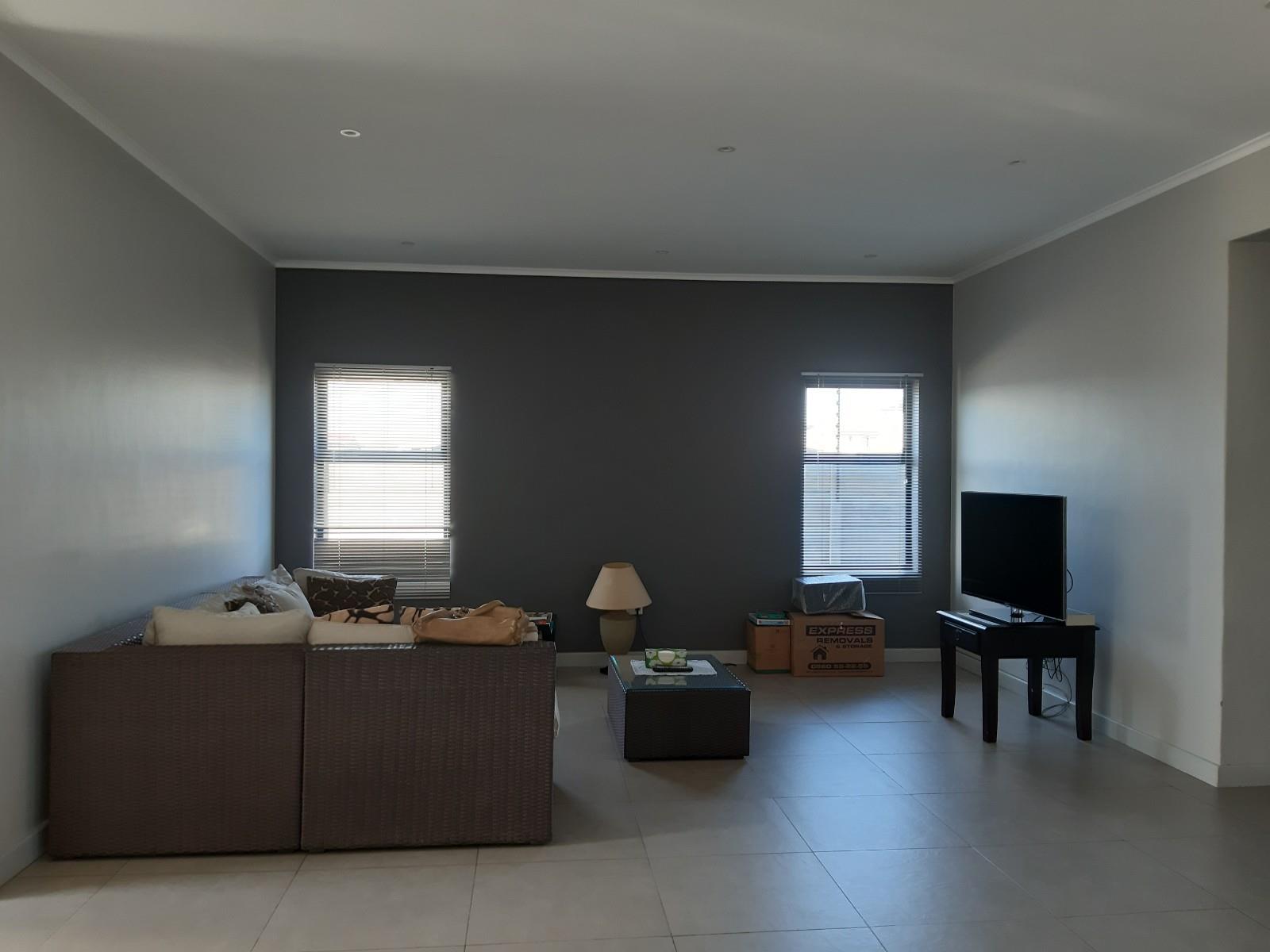4 Bedroom House To Rent in Parklands North