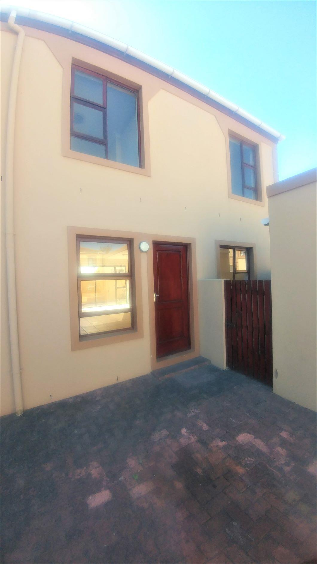 3 Bedroom House To Rent in Parklands