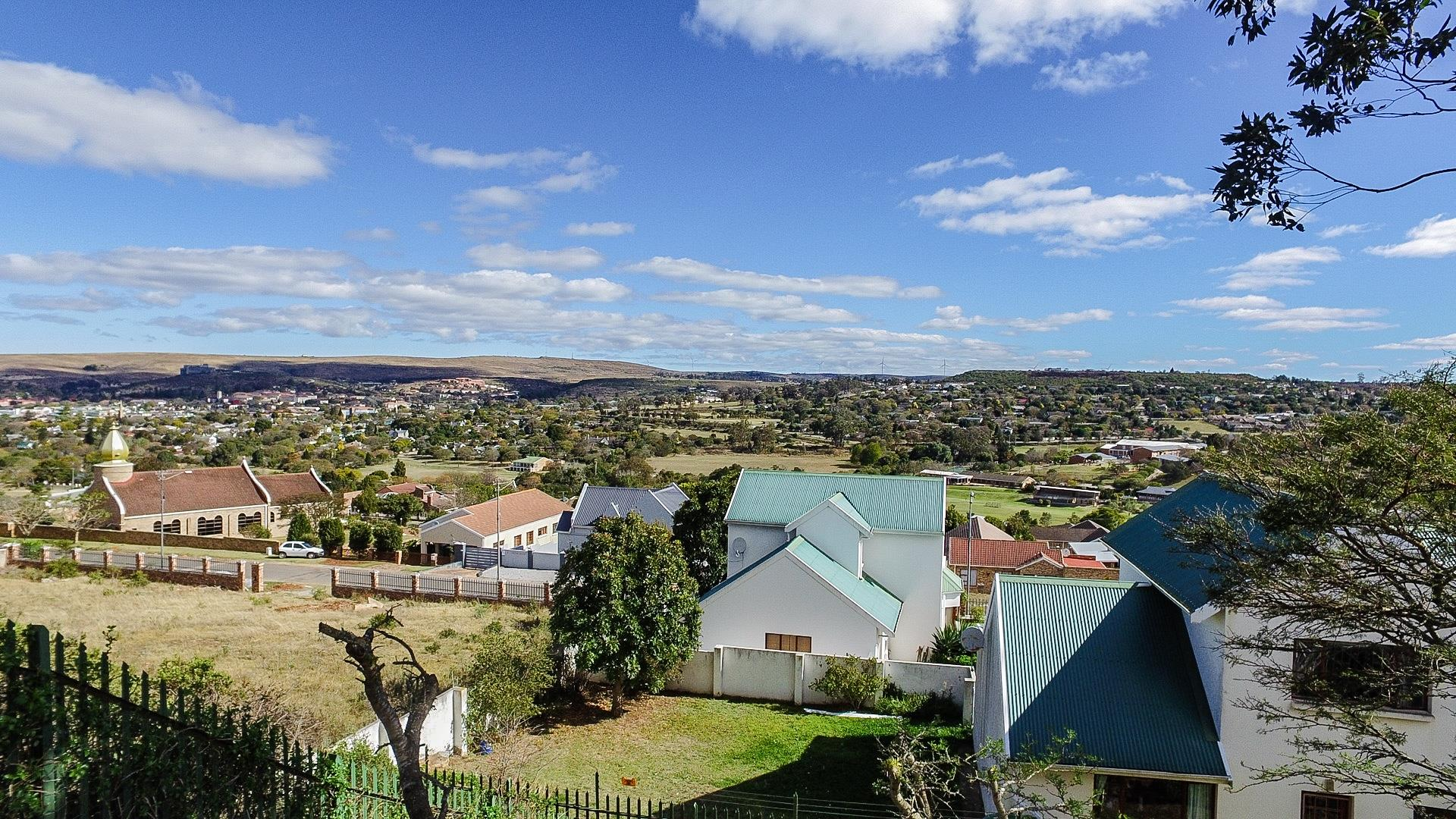 3 Bedroom Townhouse For Sale in Oatlands North