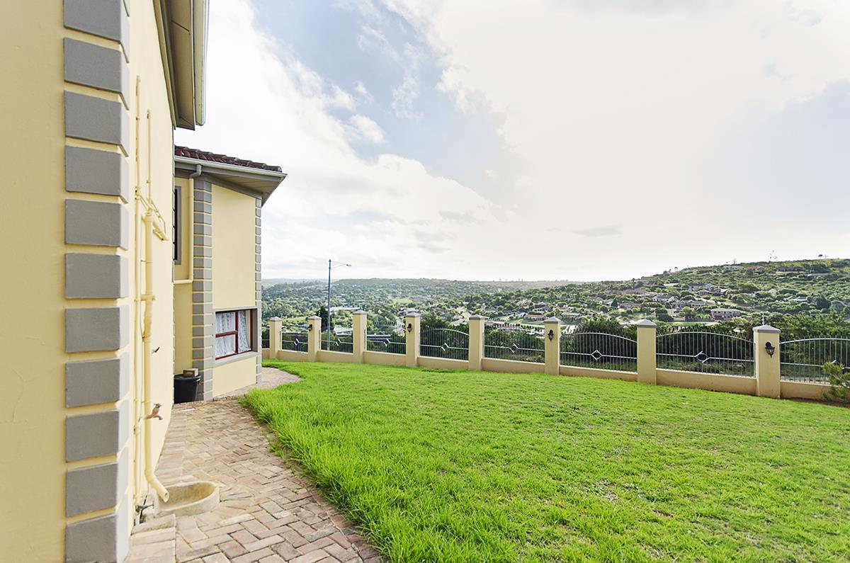 4 Bedroom House For Sale in Oatlands North